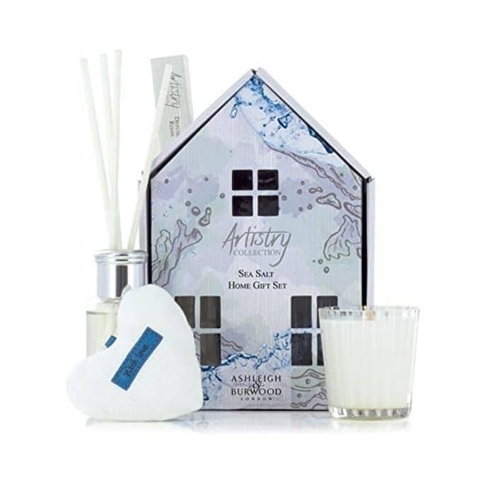Ashley_&_Burwood__Artistry_House_Set_-_Sea_Salt[1]